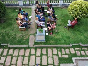 meditation-in-garden