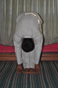 paadhastasana-yoga-aasana