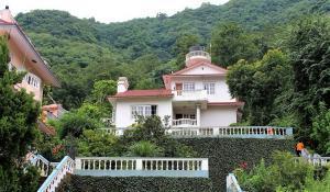 nepal-yoga-home-building