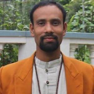 Yoga Guru- Prakash Acharya