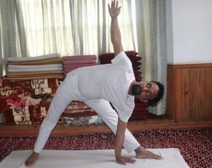 trikonasana-yoga