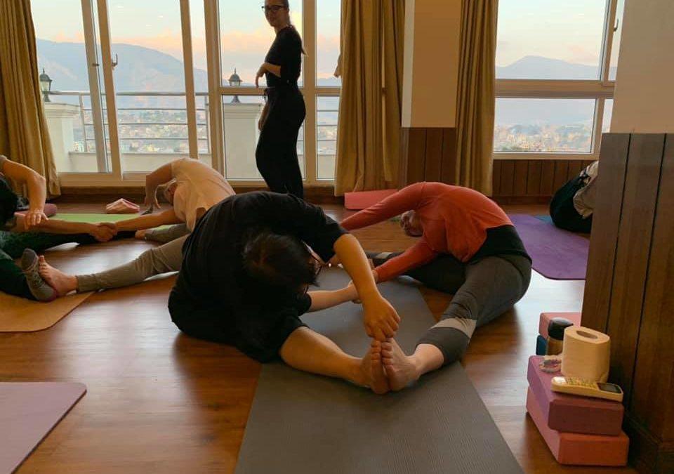online yoga training-Register Yoga school