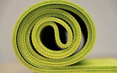 10 tips on how to choose yoga mat